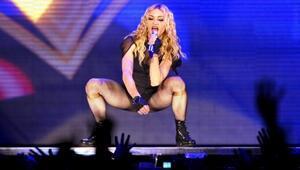 Popun kraliçesi Madonna Afrika'dan ikiz çocuk evlat edindi