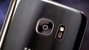 Galaxy S7 edgein siyah inci modeli satışta
