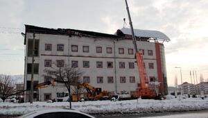Genç Devlet Hastanesi çatısı bir haftada ikinci kez çöktü