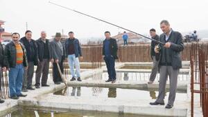 Huzurevi inşaatının yarım kalmasına balık tutma tepkisi