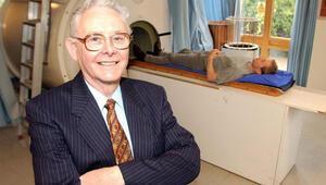 İngiliz bilim adamı Mansfield öldü