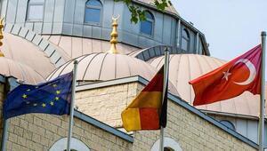 DW Türkçe: Türkiye casuslukla suçlanan imamları geri çekiyor