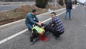 Otomobil, yol denetiminde görevli 1 polise çarptı