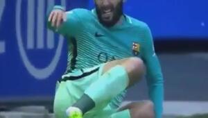 İspanyol futbolcu Aleix Vidalin ayak bileği kırıldı