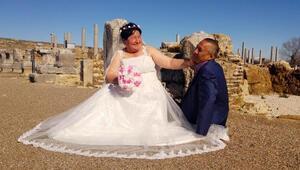 Kaçarak evlenen çiftten, 29 yıl sonra dillere destan düğün