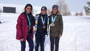 Muş kayakta 4 madalya kazandı