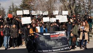 Üniversite öğrencilerinden akademisyenlere destek eylemi