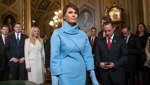 Melania Trump başlattı: Bebek mavisi nasıl kombinlenir