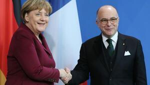 Merkel: Terörle mücadelede birlikte başarılı olabiliriz