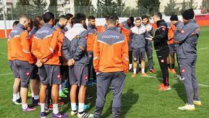 Adanaspor Osmanlıspor maçı için ara vermedi