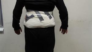 Kapıkulede vücuduna sarılı 9.5 kilo eroinle yakalandı