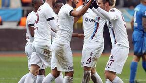 Trabzonsporu 2nci yarıda savunma oyuncuları sırtladı