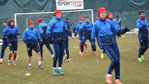 Kardemir Karabükspor antrenör Levent Açıkgöz ile çalıştı