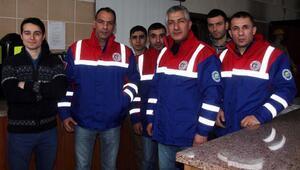 TTK ekibi Kuyuyu yılan yakalama aparatıyla kurtardı (2)