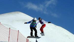 Sowboard kız ve erkeklerde altın madalya Fransanın