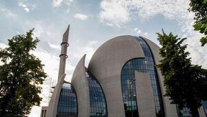DİTİB'in 4 imamına Alman baskını
