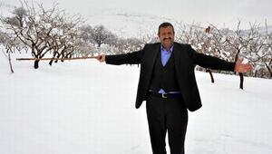 Kar yağışı, fıstık üreticilerinin yüzlerini güldürdü