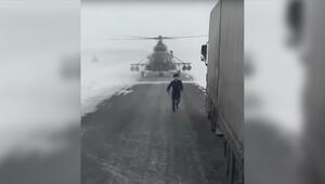 Yol sormak için helikopter indirdi