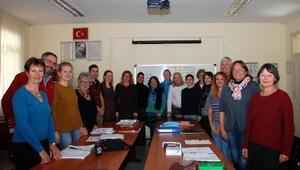 Yerleşik yabancılara Türkçe eğitimi