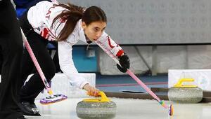 Curling kızlarda Türkiye grup lideri