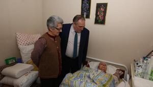 Başkan Yılmaz hastaları ziyaret etti