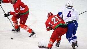 Buz hokeyinde ilk finalist Belarus