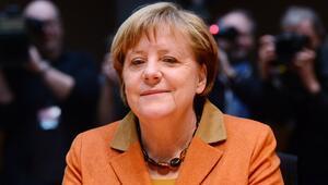 Merkel, Federal Meclis Araştırma Komisyonunda ifade verdi