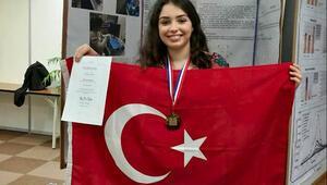 Türk kızının tarım robotu dünya ikincisi oldu