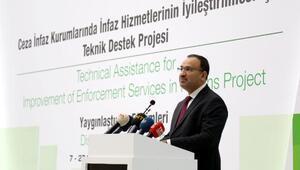 Bakan Bozdağ: Cezaevlerinin dış güvenliğini jandarma sağlayacak