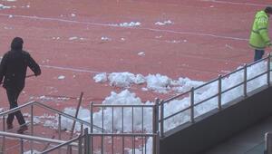 Rize Stadı Galatasaray maçına yetiştirilmeye çalışılıyor