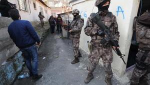 Beyoğlu ve Şişlide özel harekat polisi destekli uyuşturucu operasyonu