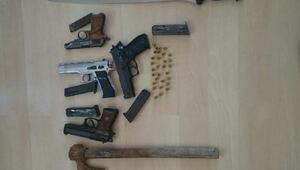 Edirnede silahlı ve baltalı kavgaya 8 tutuklama