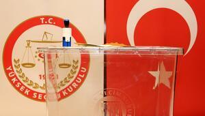 YSK tarafından halk oylamasında kullanılmak üzere bastırılan oy pusulaları basın mensuplarına gösterildi