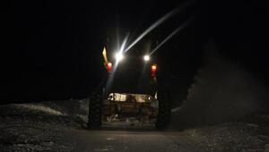 Kayak merkezinde mahsur kalan 700 kişi, 2 saatte kurtarıldı - yeniden
