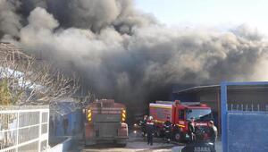 Tarsusta mobilya fabrikasında yangın