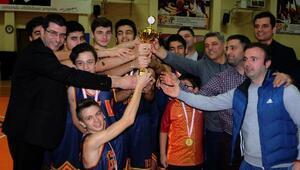 Kolej Vakfında basketbol başarısı