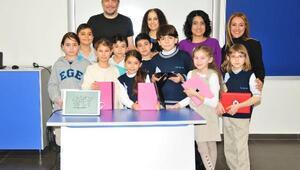 Varol Yaşaroğlu öğrencilerle buluştu