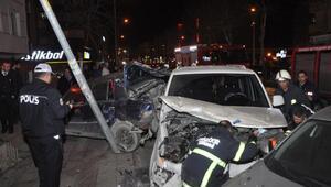 Çerkezköyde kontrolden çıkan otomobil, araçlara çarptı