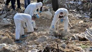 Elleriyle kazarak ceset aradılar
