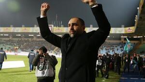 Yeni Galatasarayın halini, yeni hocası kenarda anlatıyor