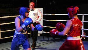 Kadınlar boks şampiyonasında yumruklar ring dışına taştı