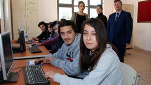 Okula bilişim ve teknoloji sınıfı