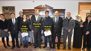 Berlin'de başarılı öğrencilere ödül verildi