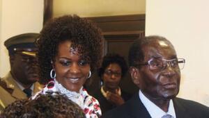 Zimbabve First Ladysi: Mugabenin cesedi seçimde aday olabilir