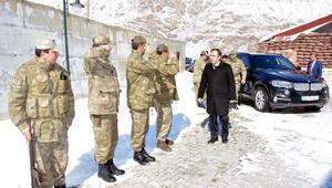 Başkan Vekili Akgül, karakolları ziyaret etti