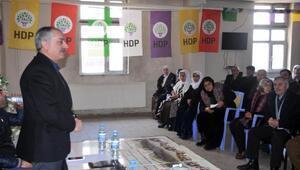 HDPli vekiller, Yüksekova'da halk toplantısı yaptı