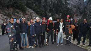 Dağda mahsur kalan portakal işçileri kurtarıldı
