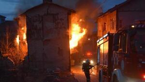 Metruk binada yangın