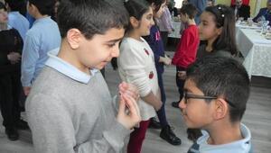 Bağımlılığa ve şiddete karşı öğrencilere Oyunlu eğitim