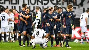 Leipzig, Bayern Münihin rekoruna ortak oldu